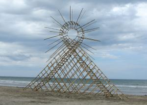 """Air-loop"", 2010. Bamboo. 750 x 1300 x 200 cm. 3rd Bagasbas Beach International Eco Arts Festival, The Philipines."