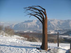 פטריק דמזו. עץ ארבע הרוחות, 2010 מתכת. 3מ X 3מ 3מ. וטיי. צרפת.