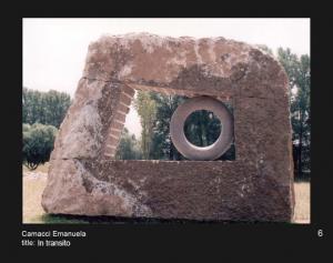 """עמנואלה קמצ'י.. במעבר. 2005. אבן. 278x50x200 ס""""מ. עיריית דוטלבך, גרמניה www.camacci.altervista.org"""