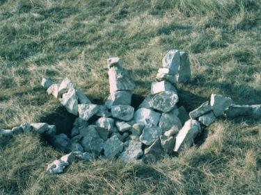 """Hades"", USA 1991. Soil, stone 60 x 190 x 180 cm."