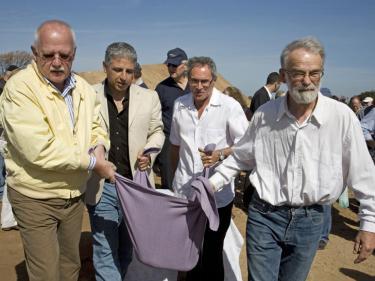 אוארס פלדברגס, דני מנהיים וראש מועצת חוף השרון אלי ברכה.